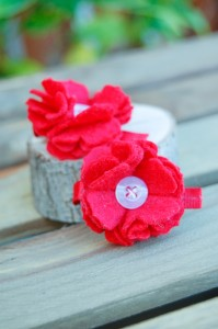 Red Mini Flower Clippies